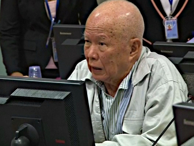 Бывшего президента Камбоджи судят за геноцид