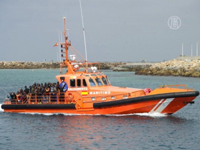 Мигранты из Африки устремились к берегам Испании