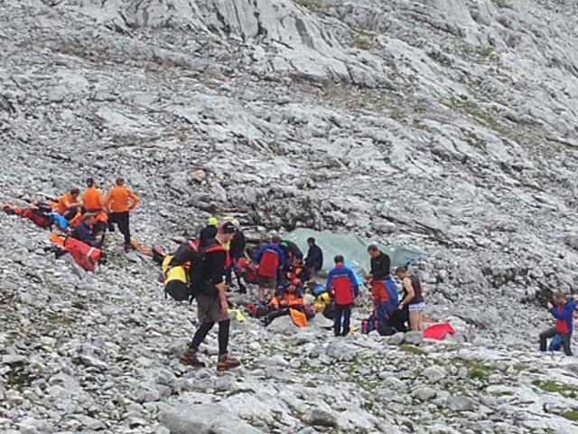 Польского исследователя спасают из пещеры