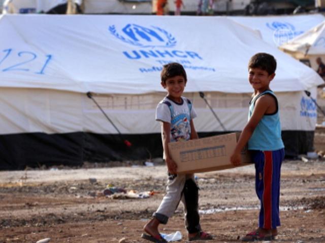 Жителям Ирака доставляют гуманитарную помощь