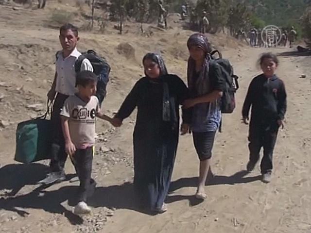 Тысячи езидов бегут из Ирака в Турцию