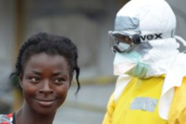 ВОЗ зовёт врачей в Африку бороться с Эболой