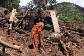 Жители заваленной оползнем деревни просят помощи