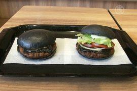 Чёрные бургеры — новый уровень фастфуда в Токио