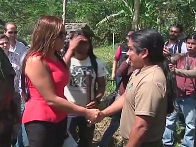 Власти Эквадора извинились перед индейцами