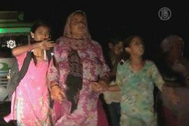 Индийцы бегут от пакистанской границы