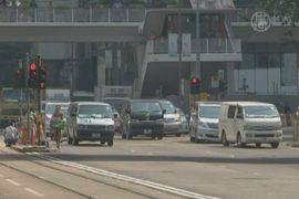 Гонконг: часть баррикад убрана