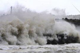 Тайфун «Вонфон» в Японии ослаб, оставив жертвы