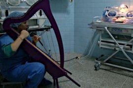 В Венесуэле музыка воспитывает маленьких детей
