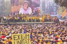 Каталонцы призывают к досрочным выборам