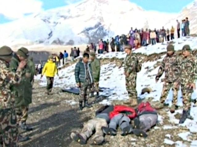Альпинистов не останавливает трагедия в Непале