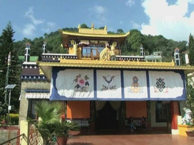 Тибетцы поздравили индийцев с «Фестивалем огней»