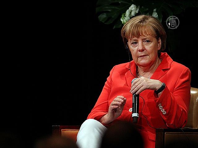 Меркель пообещала новые санкции для России