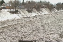 В Буффало после снегопада опасаются наводнения