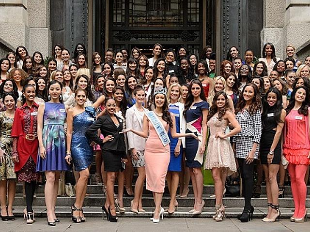 Участницы «Мисс Мира» прибыли в Лондон