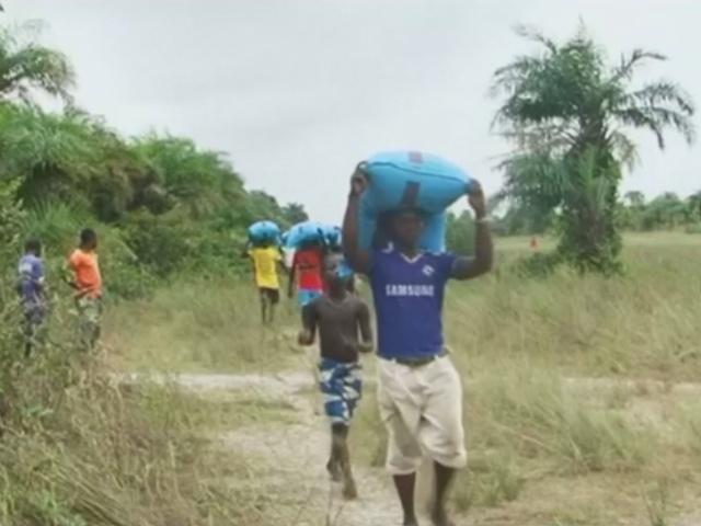 Жителям Сьерра-Леоне доставили гуманитарную помощь