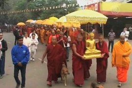 Буддисты в Индии маршировали за мир во всем мире