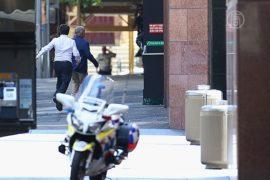 Из захваченного кафе в Сиднее бежало уже 5 заложников