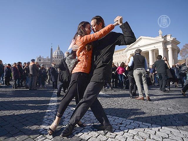 В честь 78-летия Папы Франциска исполнили танго
