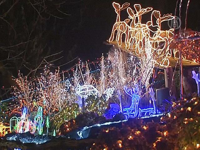 450 тысяч лампочек украсили дом к Рождеству