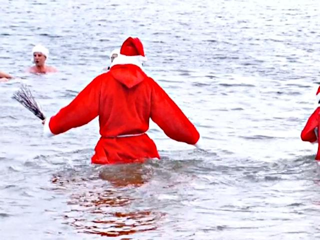 «Берлинские тюлени» штурмовали озеро на Рождество