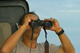 В Индонезии продолжают искать пропавший самолет