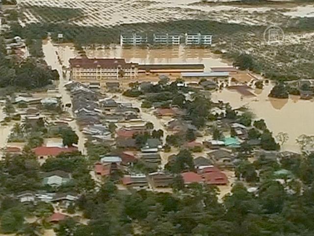 Растет число жертв наводнения в Малайзии