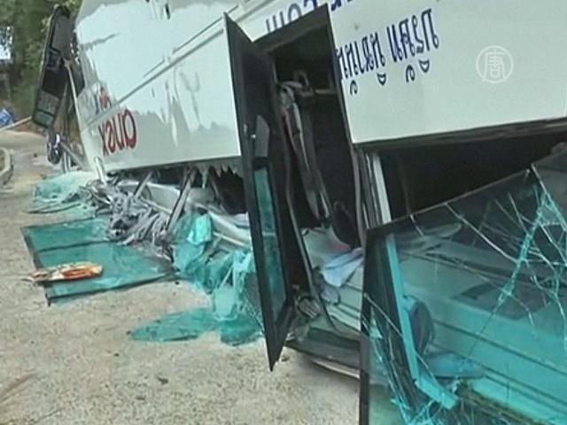 В Таиланде перевернулся автобус с туристами из РФ