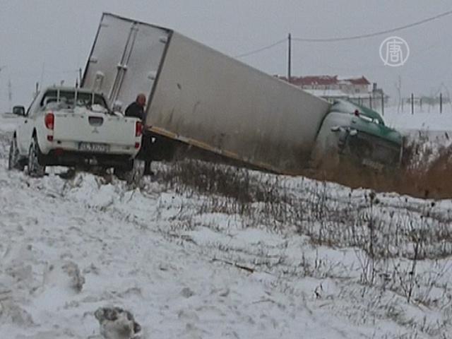 Метели вызвали транспортный хаос в Румынии