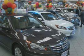 Дешёвый бензин вызвал рост продаж на авторынке США
