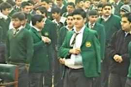 Дети в Пешаваре вернулись в школы
