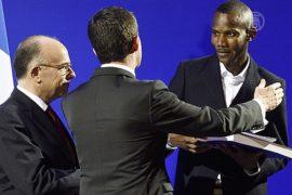 Малийцу-герою дали гражданство Франции