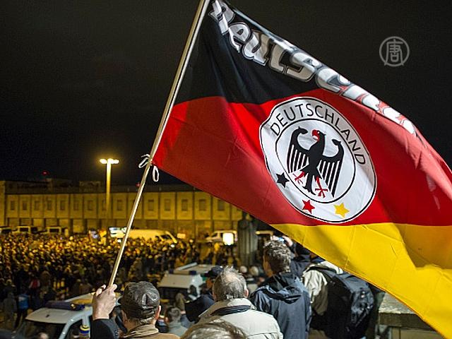 Марши в Лейпциге: против и за мигрантов