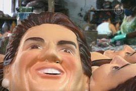 К карнавалу в Рио-де-Жанейро штампуют тысячи масок