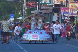 Забавные гонки на кроватях состоялись в Таиланде