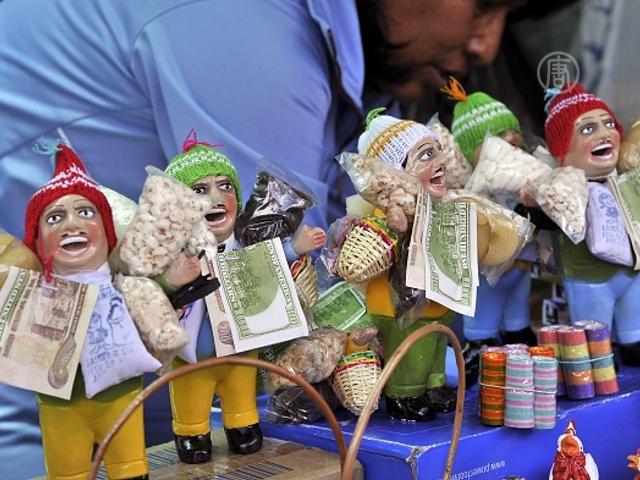 Боливийцы загадывают желания и спешат на ярмарку