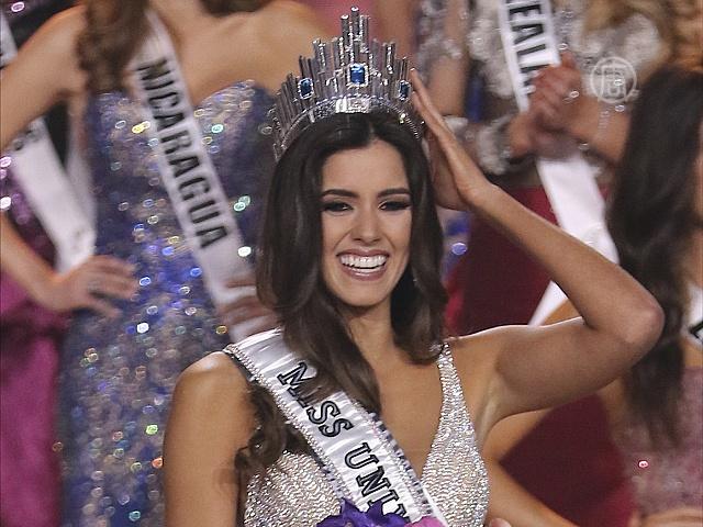 Корону «Мисс Вселенной» завоевала колумбийка