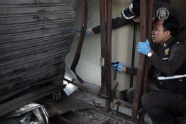 В Бангкоке расследуют два взрыва у ТРЦ