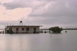 Албания: люди живут по колено в воде