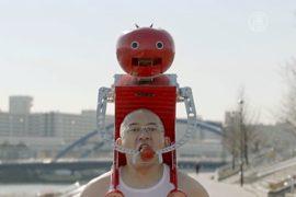 Робот-помидор поможет перекусить во время марафона