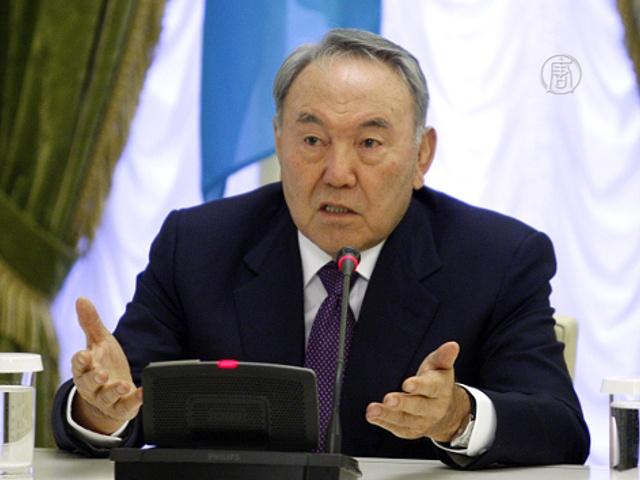 Глава Казахстана назначил дату досрочных выборов