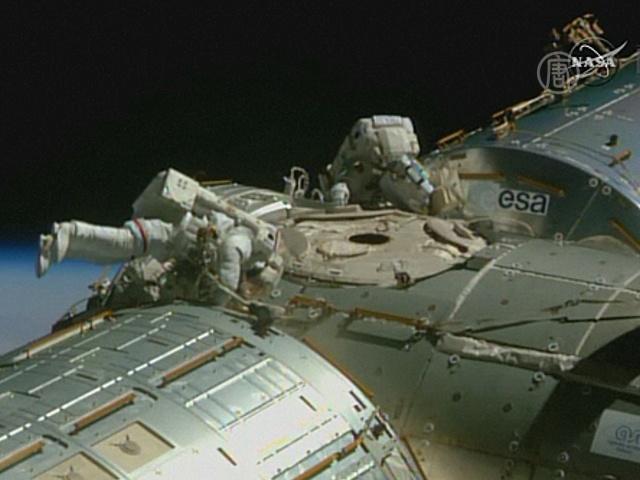 Астронавты НАСА поработали на поверхности МКС