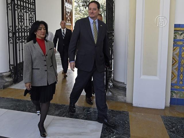 Венесуэла требует от США сократить штат дипломатов