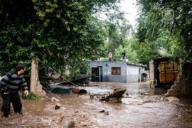 Тысячи аргентинцев эвакуированы из-за наводнения
