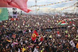 Тысячи курдов вышли на митинг в Стамбуле