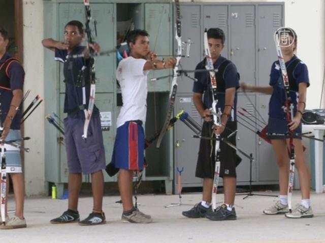 Индеец-лучник хочет попасть на Олимпиаду