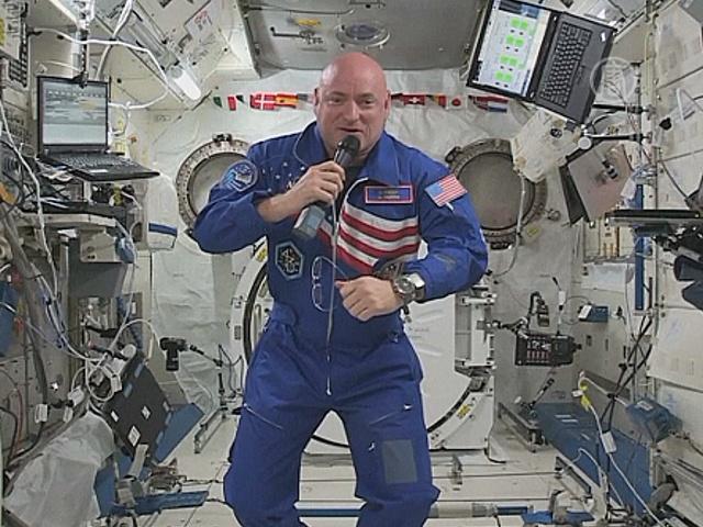 Астронавт Келли пообщался с Землёй из космоса