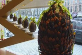 Экзотическое пасхальное яйцо создали в Бельгии