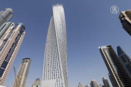 «Человек-паук» покорил витую Башню Кайан в Дубае