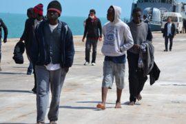 Более 5600 мигрантов из Африки спасли за 3 дня